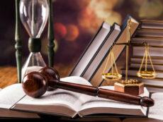 За что власти планируют сажать бухгалтеров и юристов